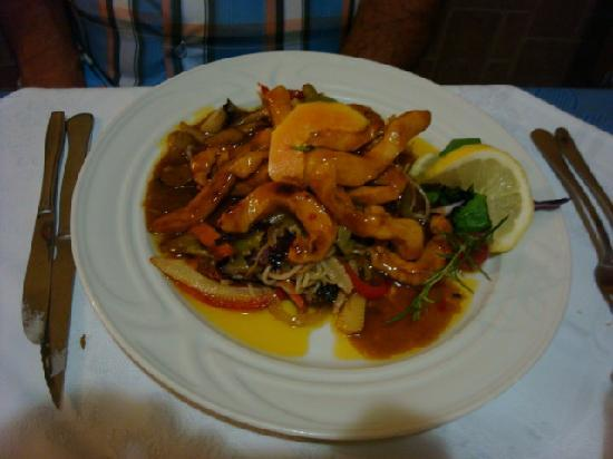 The Original Bistro: Chicken with mango and noodles
