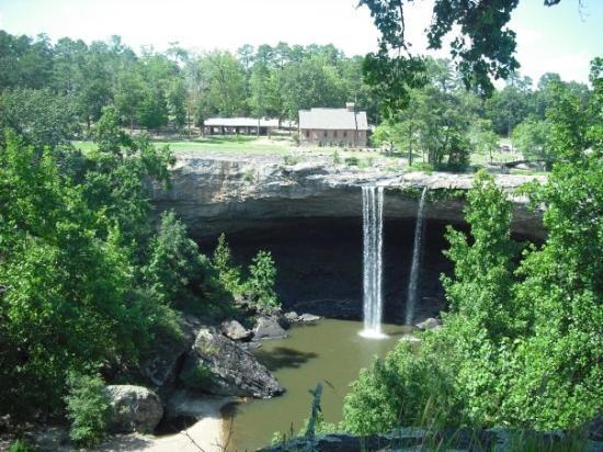 Noccalula Falls Park & Campground: Noccalula Falls