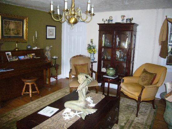 The Eldredge House: Living Room