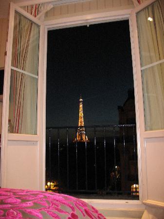 โรงแรมดูก๊องสอิฟเฟล: View from Room
