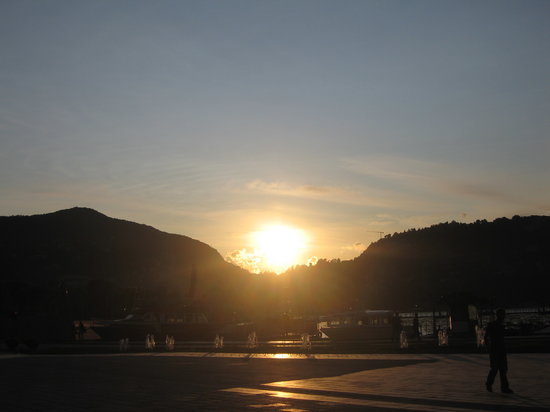 Albergo Del Duca: Sunset over Lake Como