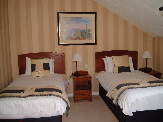 Malone Lodge Hotel & Apartments: Comfy