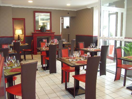 La salle de restaurant photo de h tel beau rivage for Aux beaux rivages la cuisine