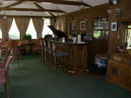 Beaverkill Valley Inn: Bar Area