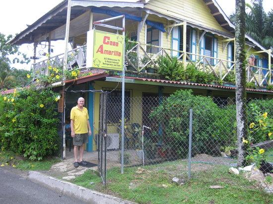 Casa Amarilla: Casa Amarilla