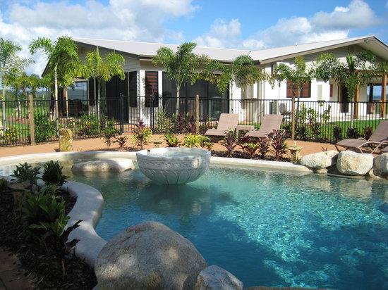 Djarawong Lodge B&B: great pool