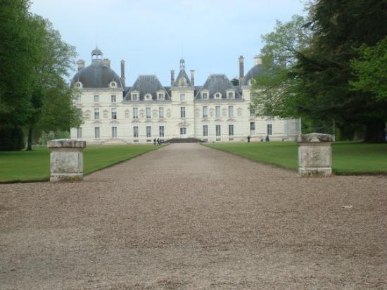 Chateau de Cheverny: Le château de Cheverny c'est celui qui inspira Hergé pour le château de Moulinssard