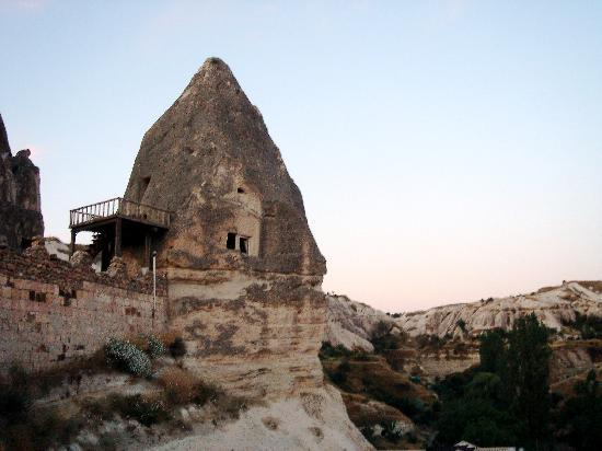 Panoramic Cave Hotel: Fairy chimney rooms