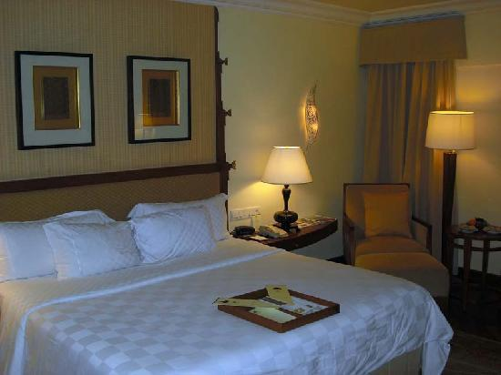 The Laguna, a Luxury Collection Resort & Spa: Lagoon Access room