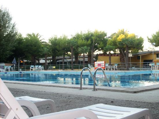 Roseto Degli Abruzzi, Italy: la piscina