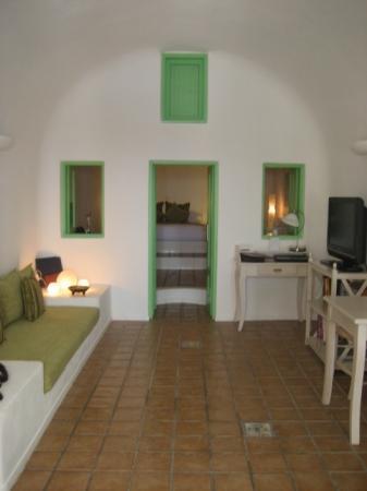 Dreams Luxury Suites: View from door to living and bedroom area