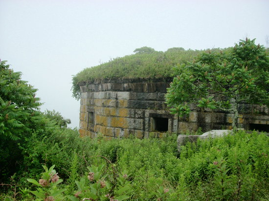 House Island Lobster Bakes & Tours: Fort Scammel was the main defense of Portland Harbor during the Civil War