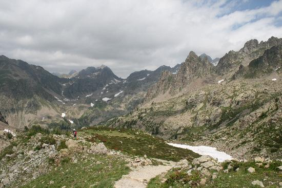 La Pierre Bleue: Mountains from Borean valley