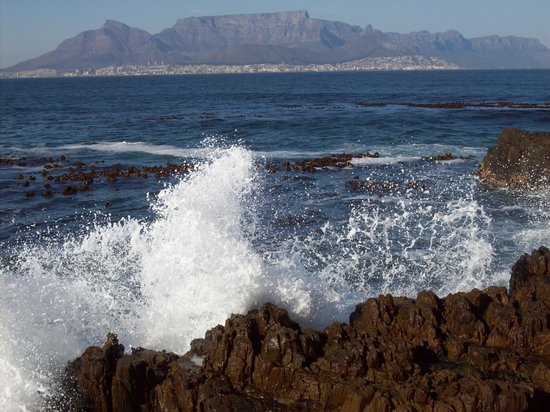 Jambo Guest House: Cape Town from Robbins Island