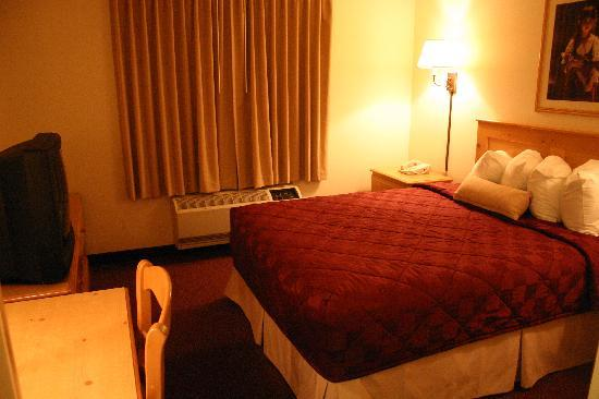 Ramada by Wyndham Summerset Rapid City West: One bedroom suite 1