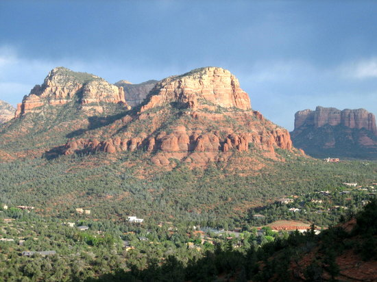 Sedona Springs Resort: red rocks
