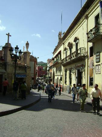 Villa De La Plata: calle en el centro de guanajuato