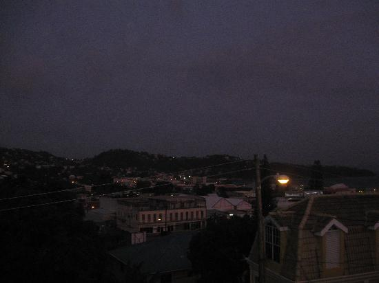 The New Montrose Hotel: View of hills at night from top of restaurant