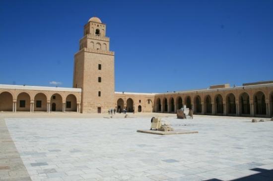 Medina de Kairuán: kairouan tunisia     07