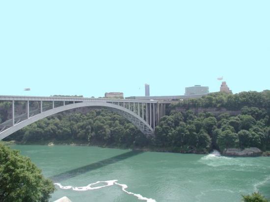 rainbow bridge connecting niagara falls ny to niagara falls rh tripadvisor ca