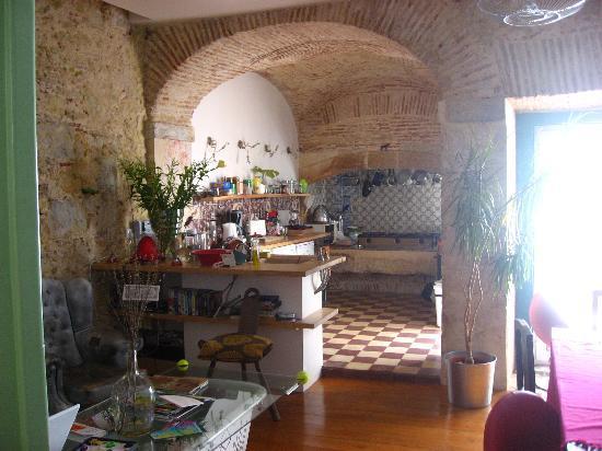 Lisbon Calling: Kitchen area