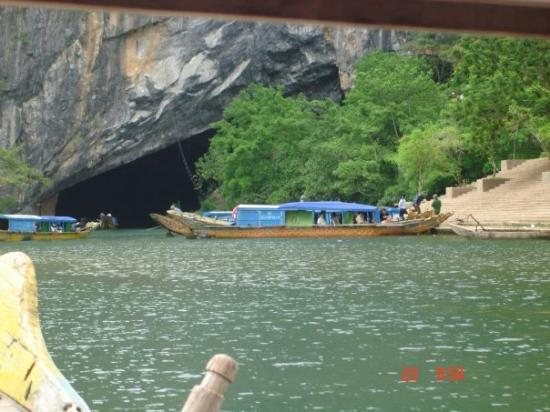 location photo direct link phong locals travel transport dong quang binh province