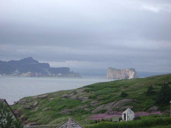 Parc national de l'Ile-Bonaventure-et-du-Rocher-Perce: Le rocher vu de l'île