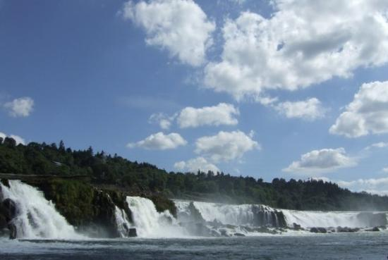 Oregon City, Oregón: Willamette Falls - so beautiful...