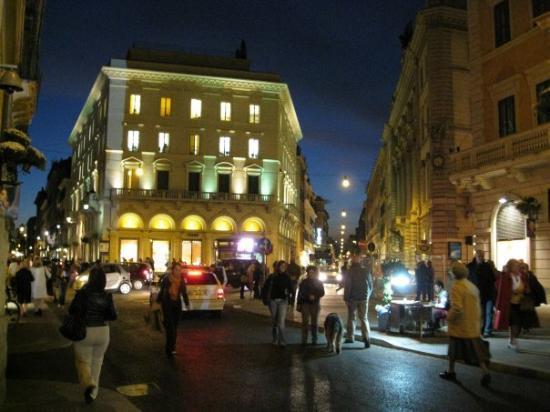 Rome night via del corso picture of rome lazio for Bershka roma via del corso