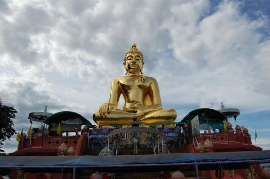 Chiang Saen, Thailandia: Buda de Chian Sen