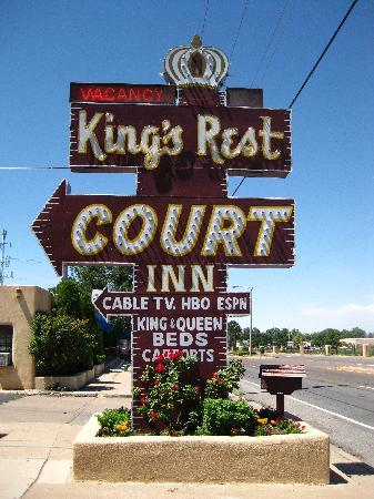 King's Rest Court: Fabulous sign
