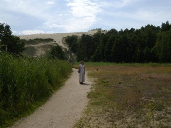 my wife near parnidis dune in nida lithuania bild von nida bezirk klaipeda tripadvisor. Black Bedroom Furniture Sets. Home Design Ideas
