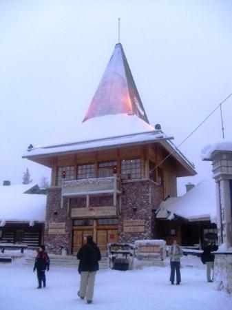 Snowy surrounds picture of rovaniemi lapland tripadvisor - Maison du pere noel ...