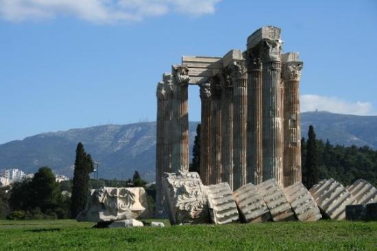 Olympieion - Picture of Temple of Olympian Zeus, Athens ...