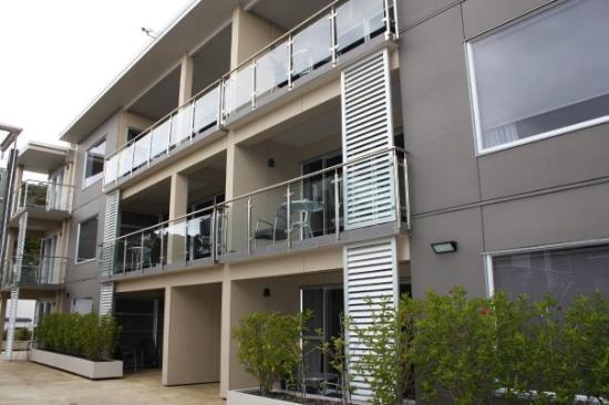 Edgewater Palms Apartments : Apartments