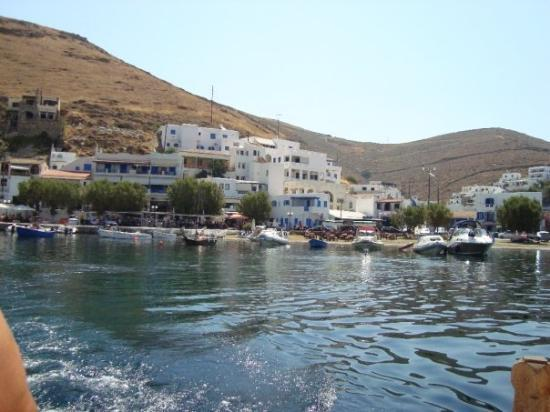 Kithnos, Grecja: the port of merichas