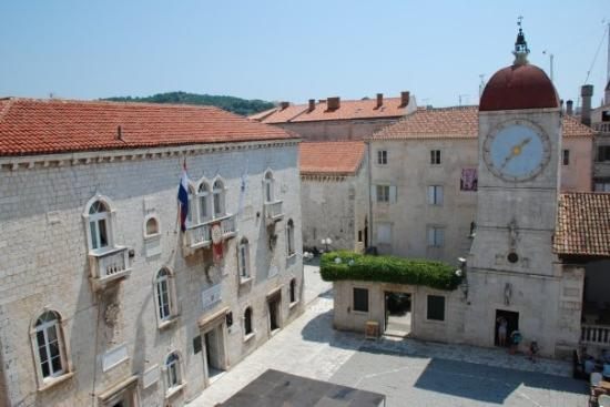 ‪Central Square in Trogir‬