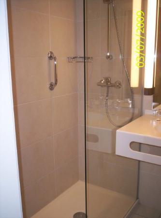 Hotel Imperial : la grande douche!super pr 2 place!!