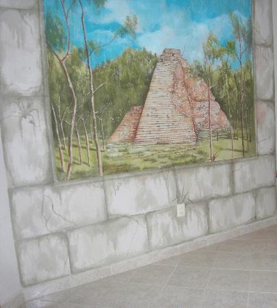 Tankah Inn: The Coba room mural