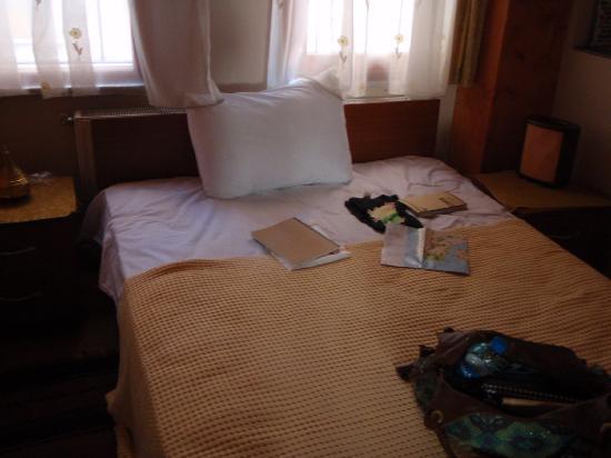 Mystic Hotel: 部屋のベッド