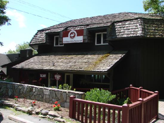 Archer's Mountain Inn: Exterior