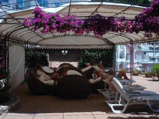 Hotel Mamela: Terrace lounge