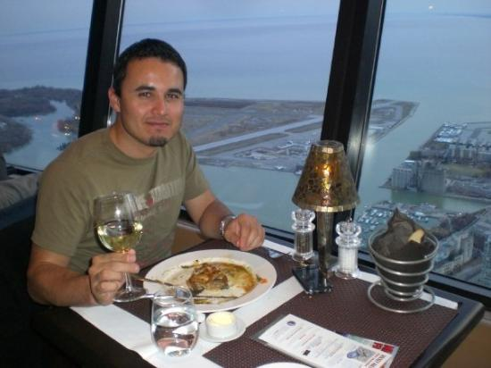 360 The Restaurant at the CN Tower: Ckn!! Its whats for Dinner! 360 Restaurant @ CN Tower