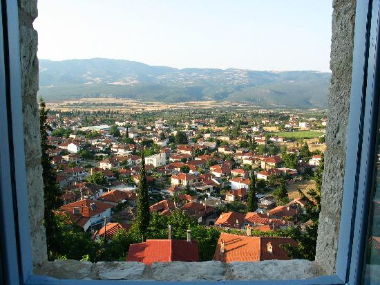 Amfikleia, กรีซ: vue de la fenêtre de notre chambre sur le village