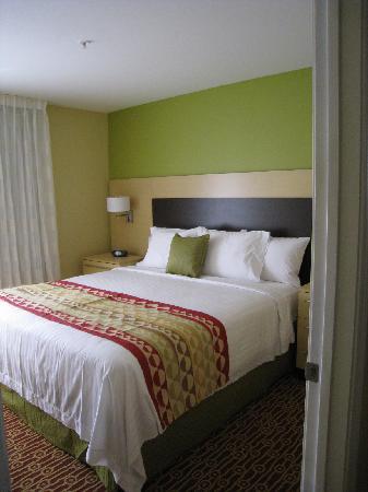 TownePlace Suites Fayetteville Cross Creek: 1 bedroom of the 2 bedroom suite