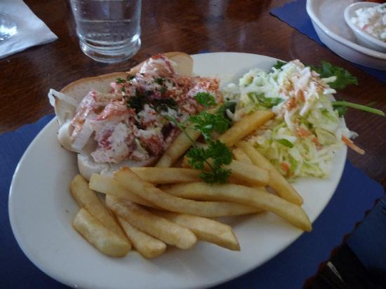 Topside Grill and Pub: lobster roll