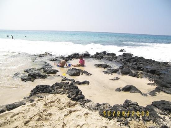 Kailua-Kona, HI, United States The Disappearing  Sands Beach