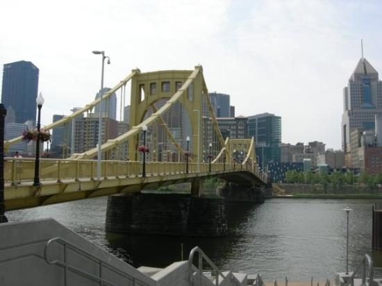 Roberto Clemente Bridge (Sixth Street Bridge) Photo
