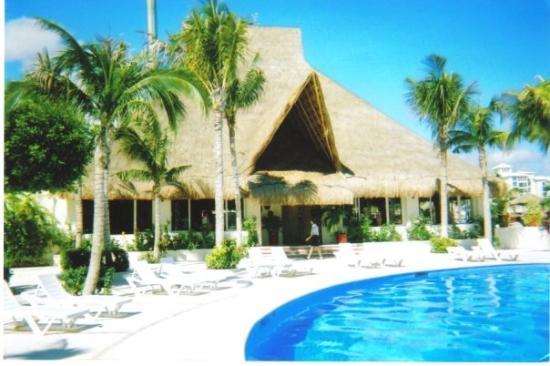 Oasis Palm: Cancun