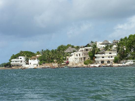 Baitil Aman Guest House: view Shela
